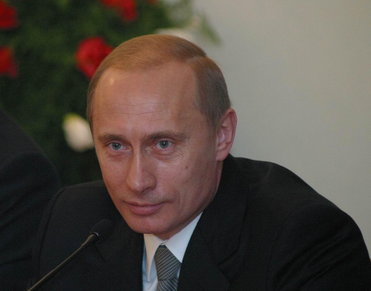 Фотографии Владимир Путин Президент Мужчины Лицо молодые женщины Взгляд Знаменитости мужчина лица Девушки девушка молодая женщина смотрят смотрит