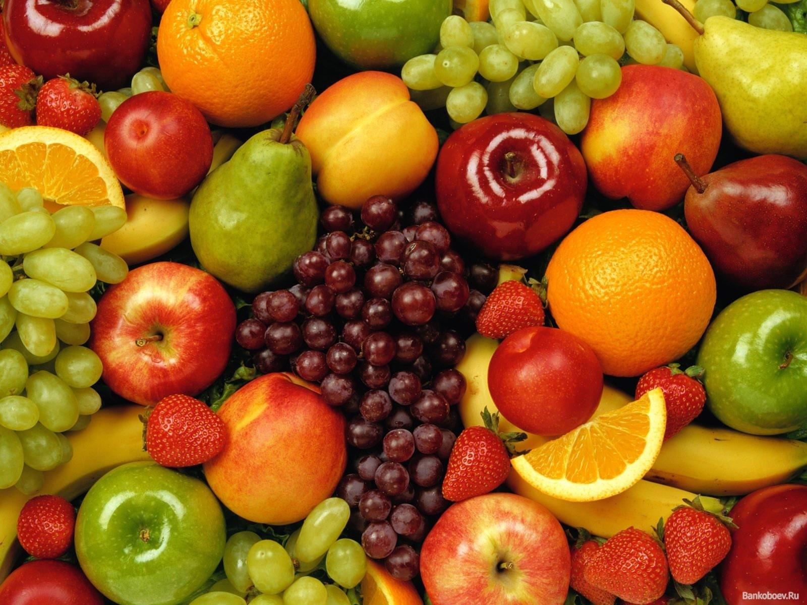 Описать фрукт эротическими словами