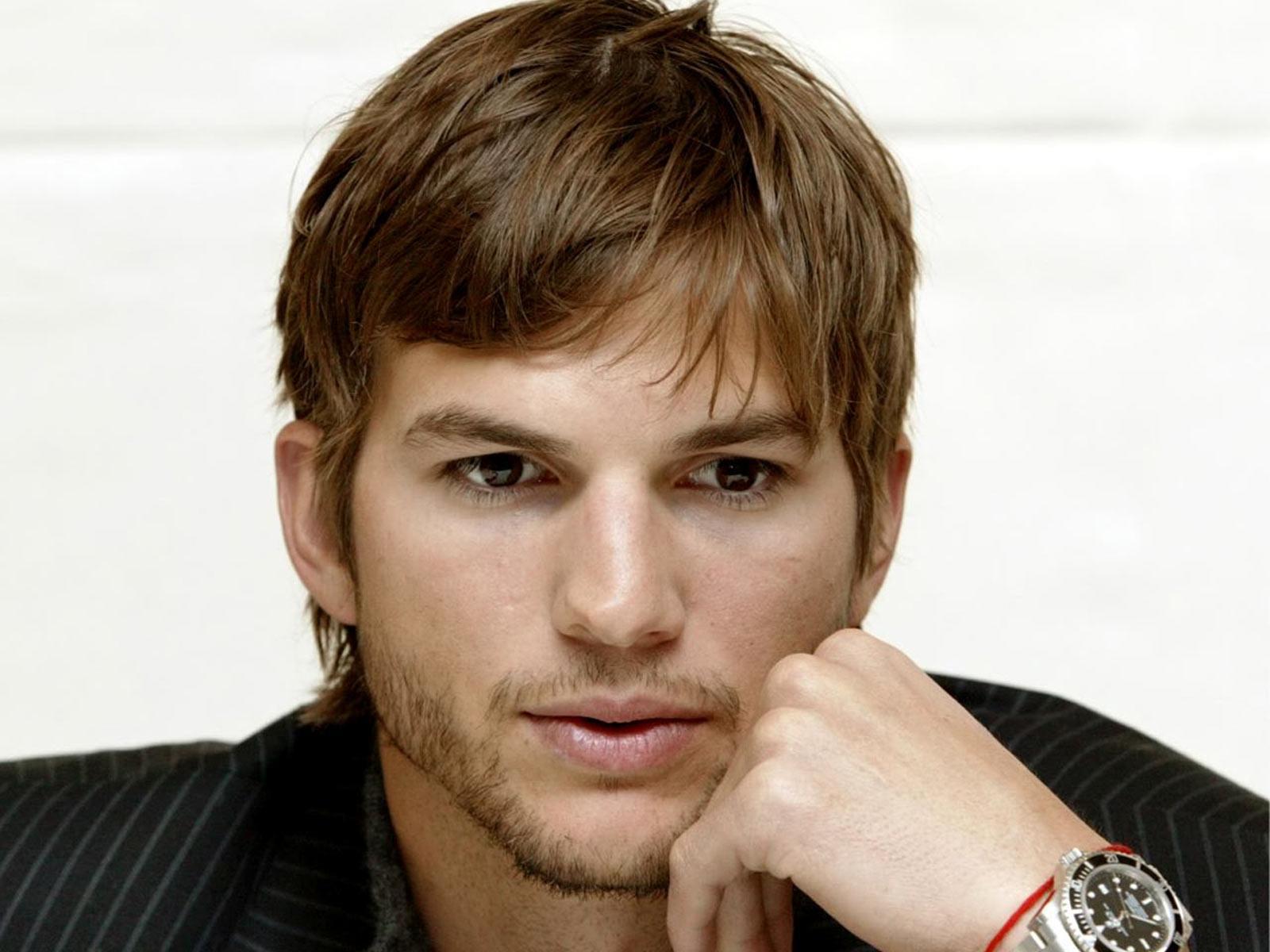 Обои для рабочего стола Ashton Kutcher Знаменитости Эштон Катчер