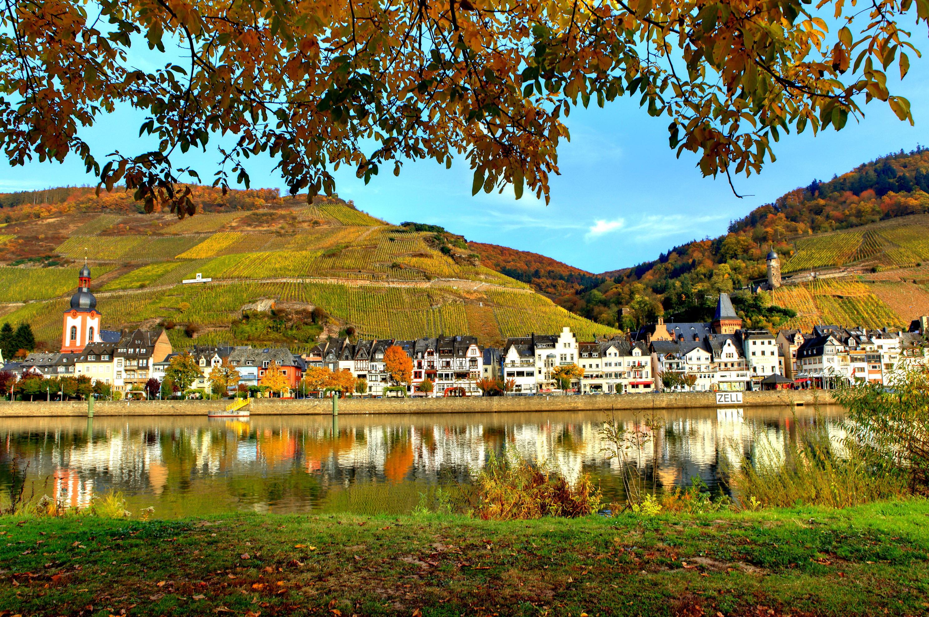 Lorch Village, Hesse, Rhine River, Germany  № 78305  скачать