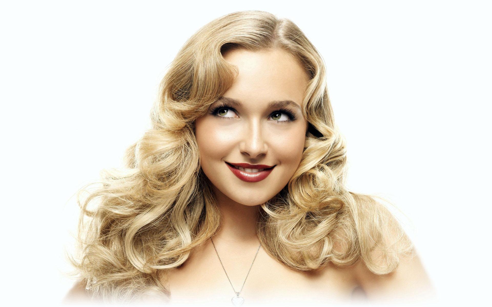 Фото кудрявая блондинка, Голая кудрявая блондинка В чулках 18 фотография
