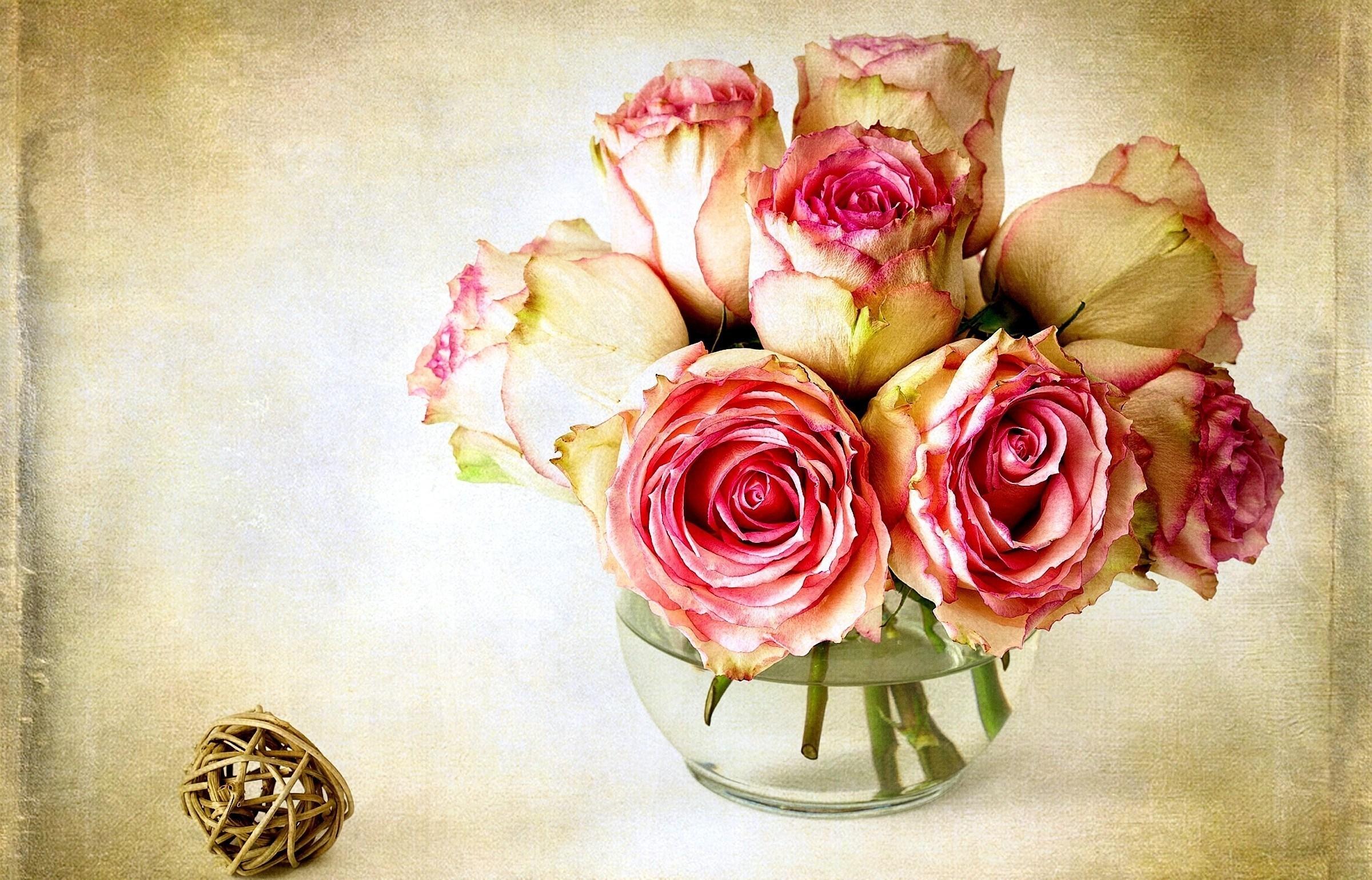 розы цветы ваза  № 1332544  скачать