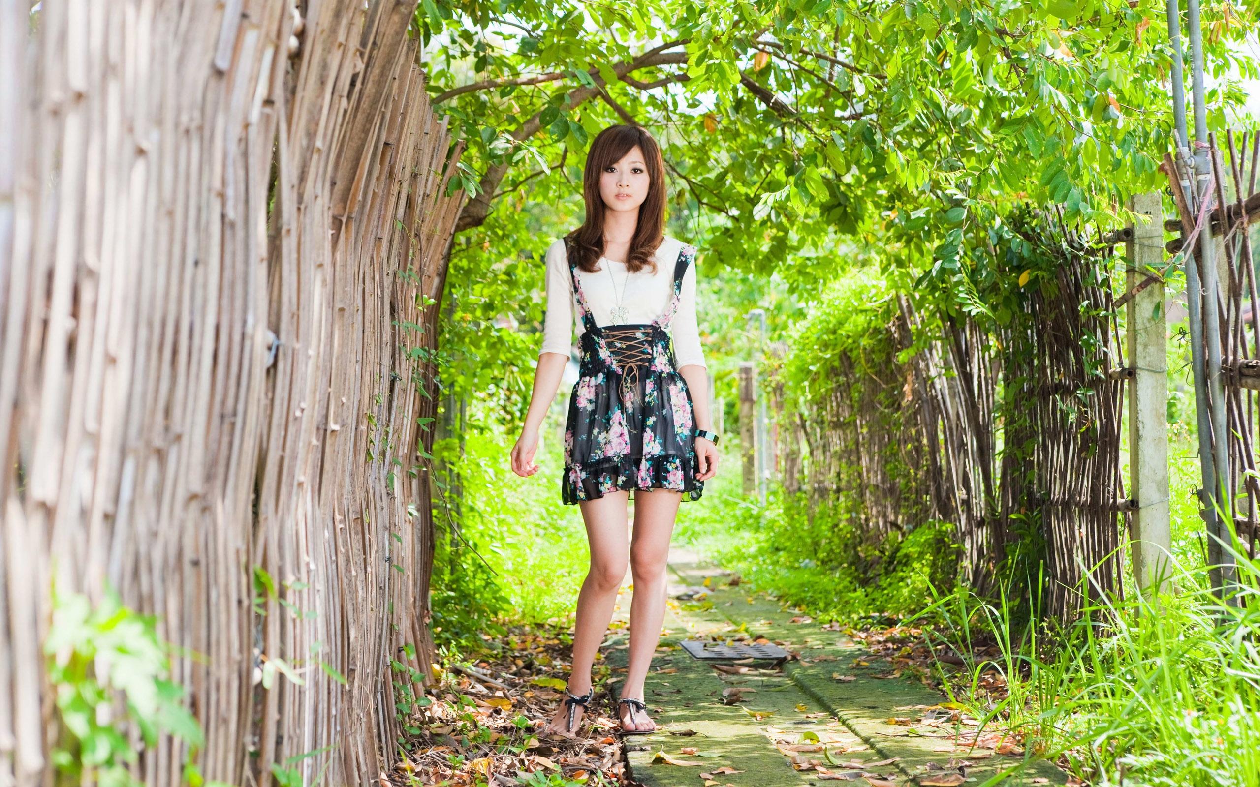 Японские девочки раздеваются 12 фотография