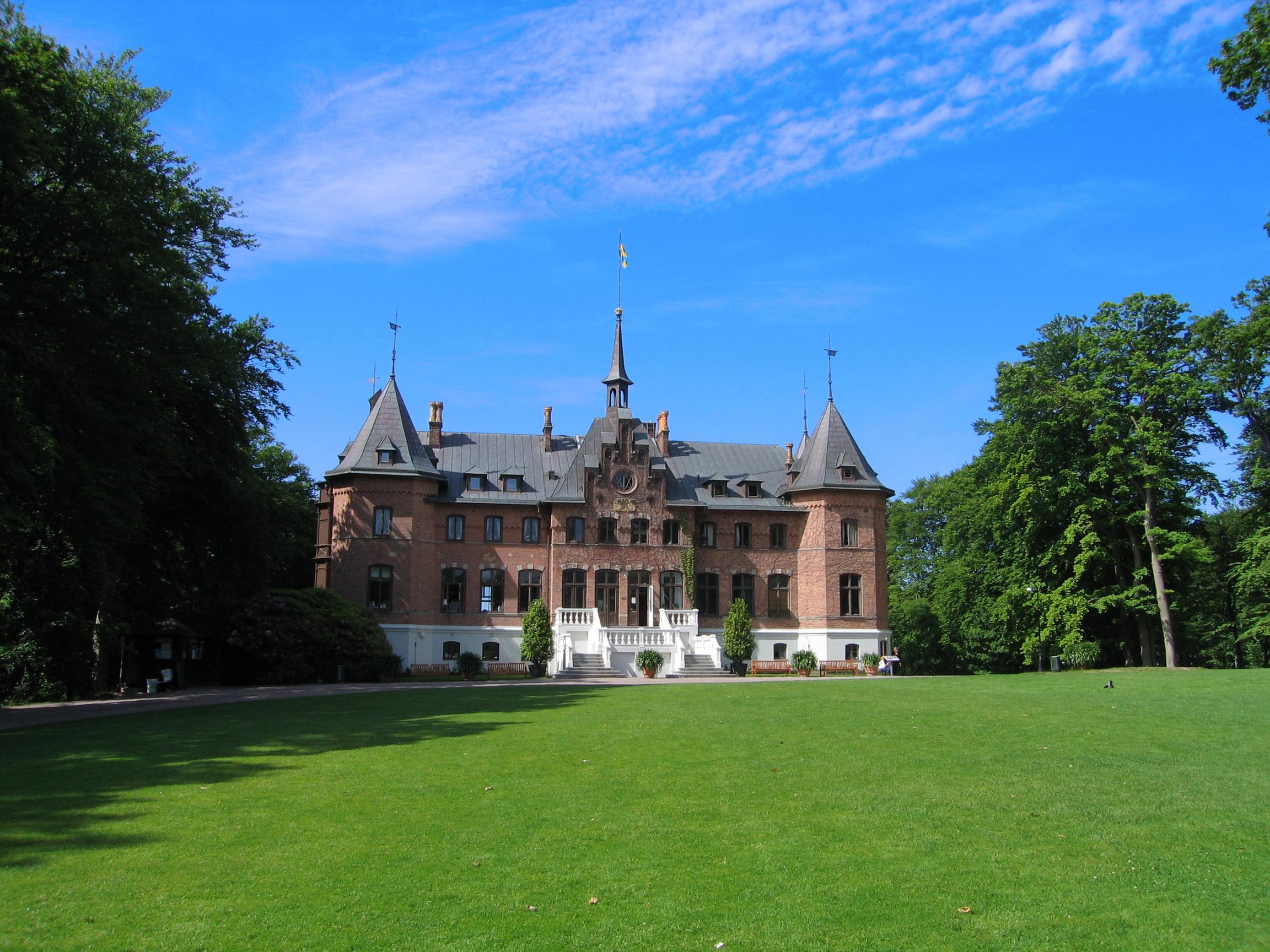 Замок лужайка памятник загрузить