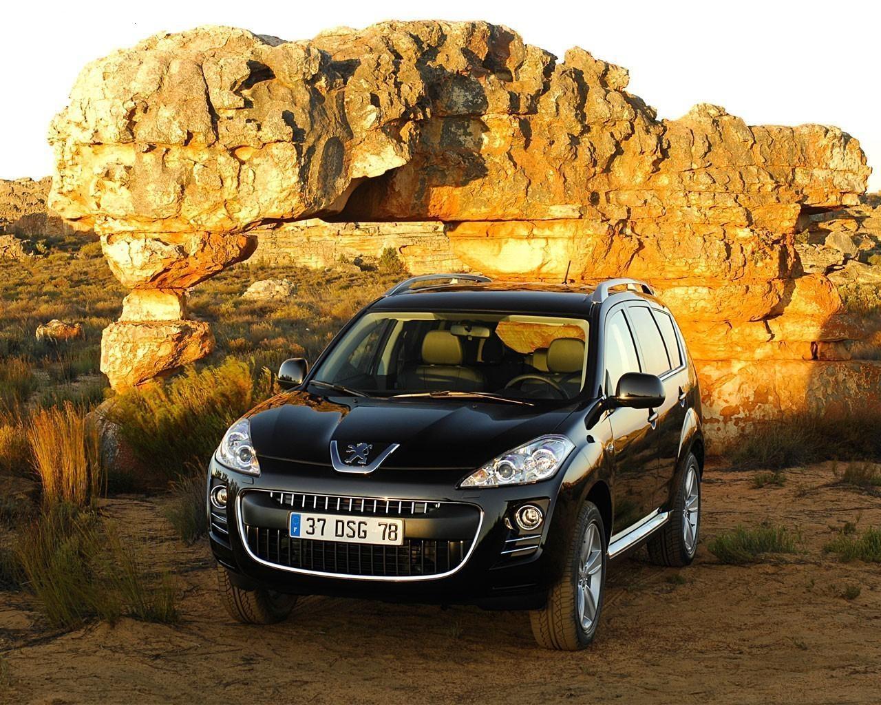 Peugeot 4007: лев на бездоріжжі