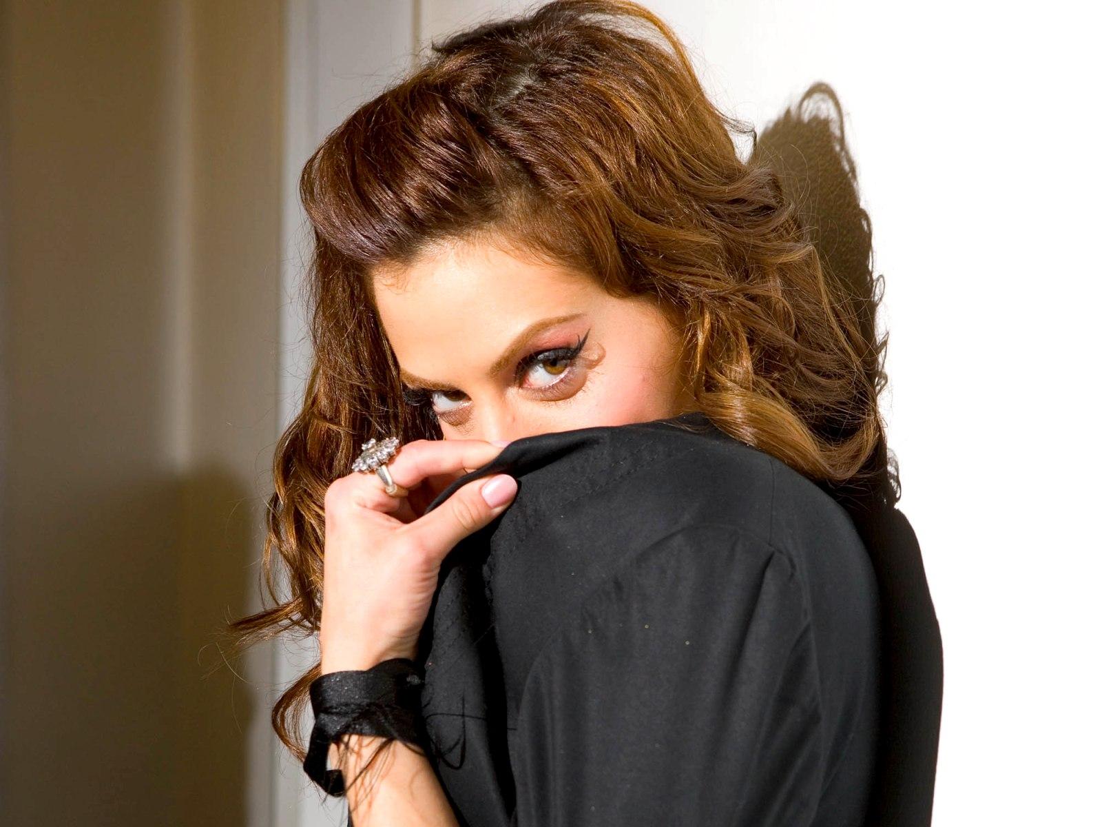 Фотография Brittany Murphy Знаменитости 1600x1200 Бриттани Мерфи