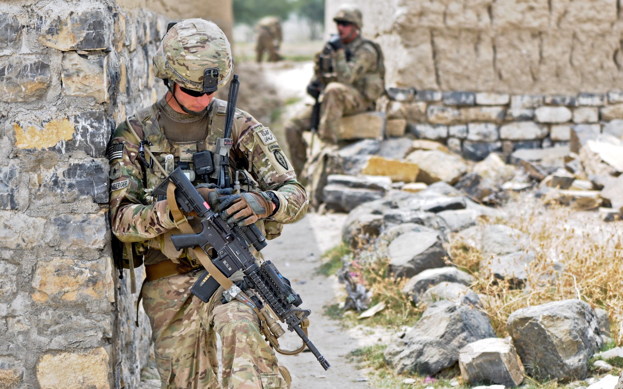 рисунок солдаты военные скачать