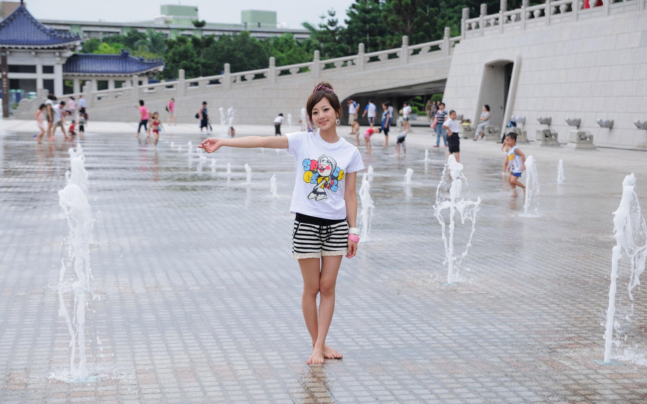 Японка в шортах фото 6 фотография