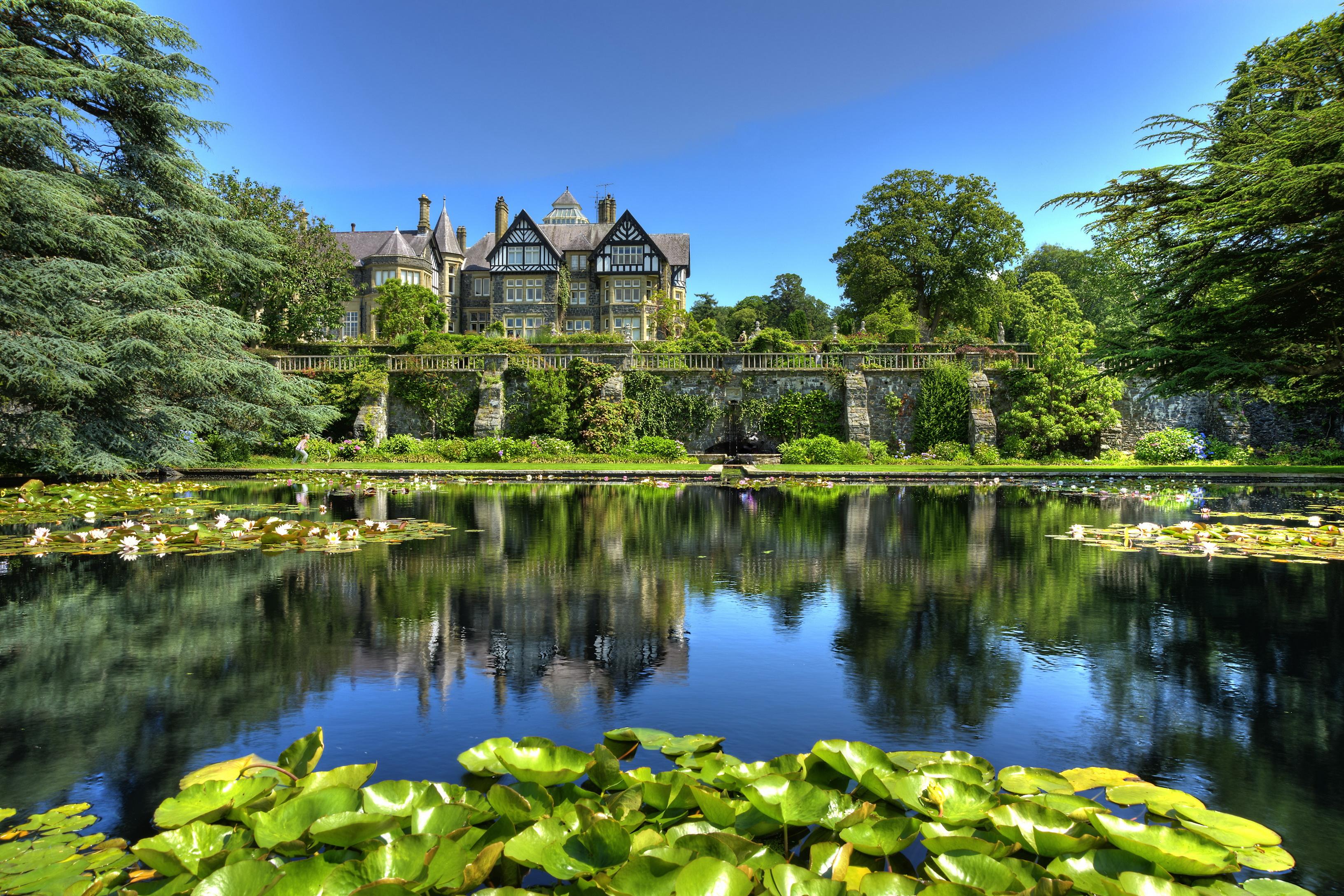 Озерцо возле дома, Англия  № 1486967 без смс