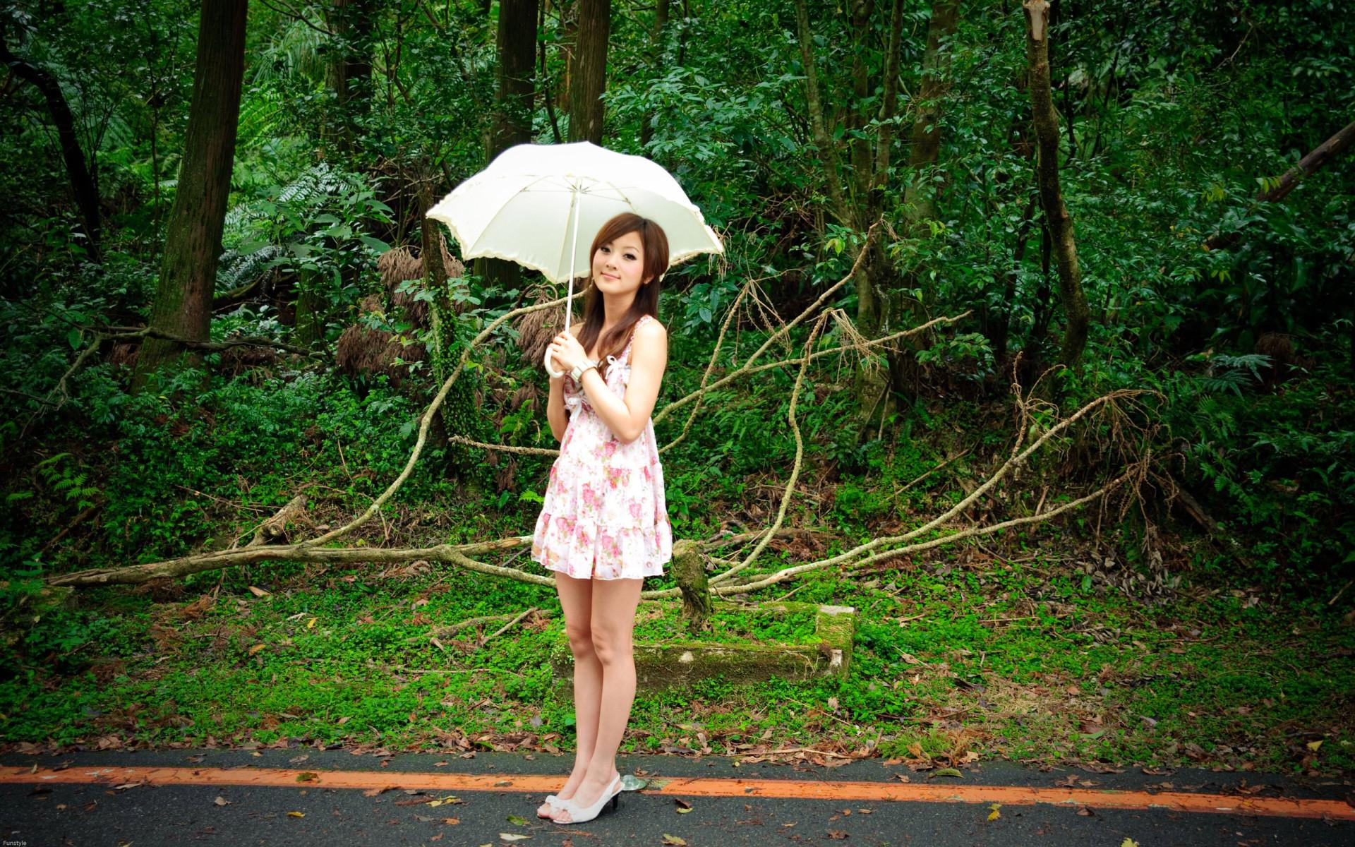 девушка зонт дождь природа  № 3582393  скачать