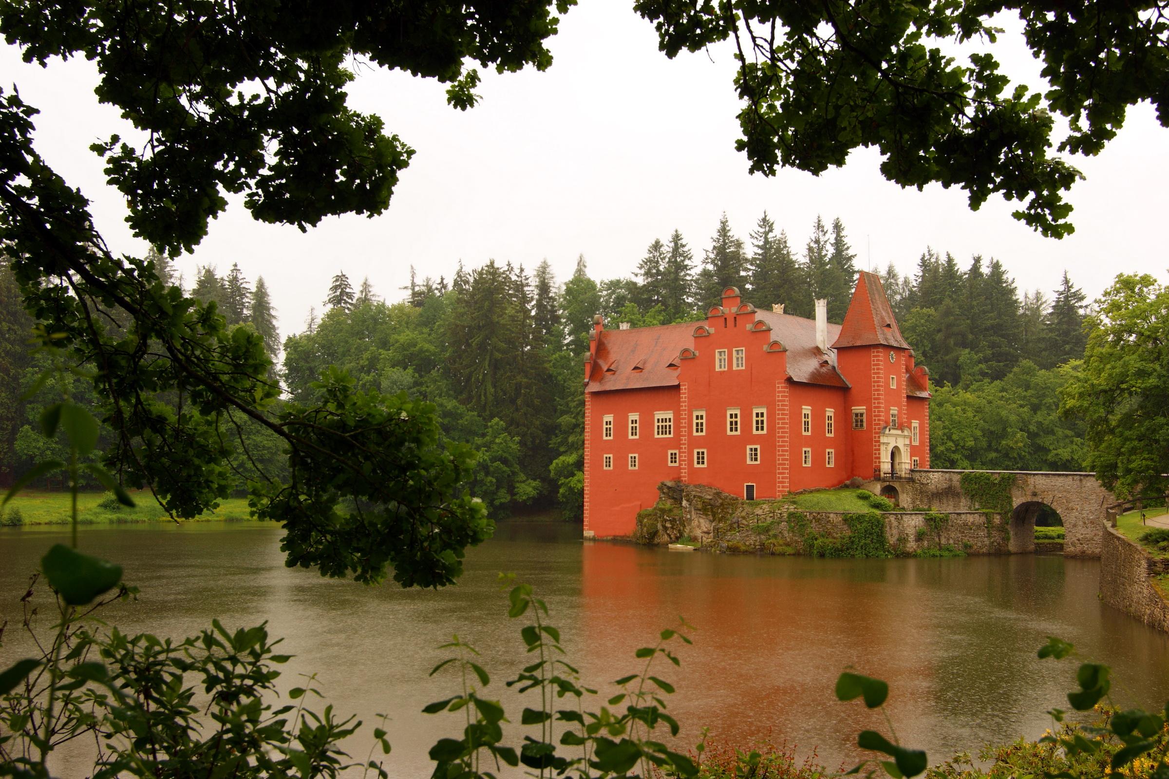 Озерцо возле дома, Англия  № 1486975 загрузить