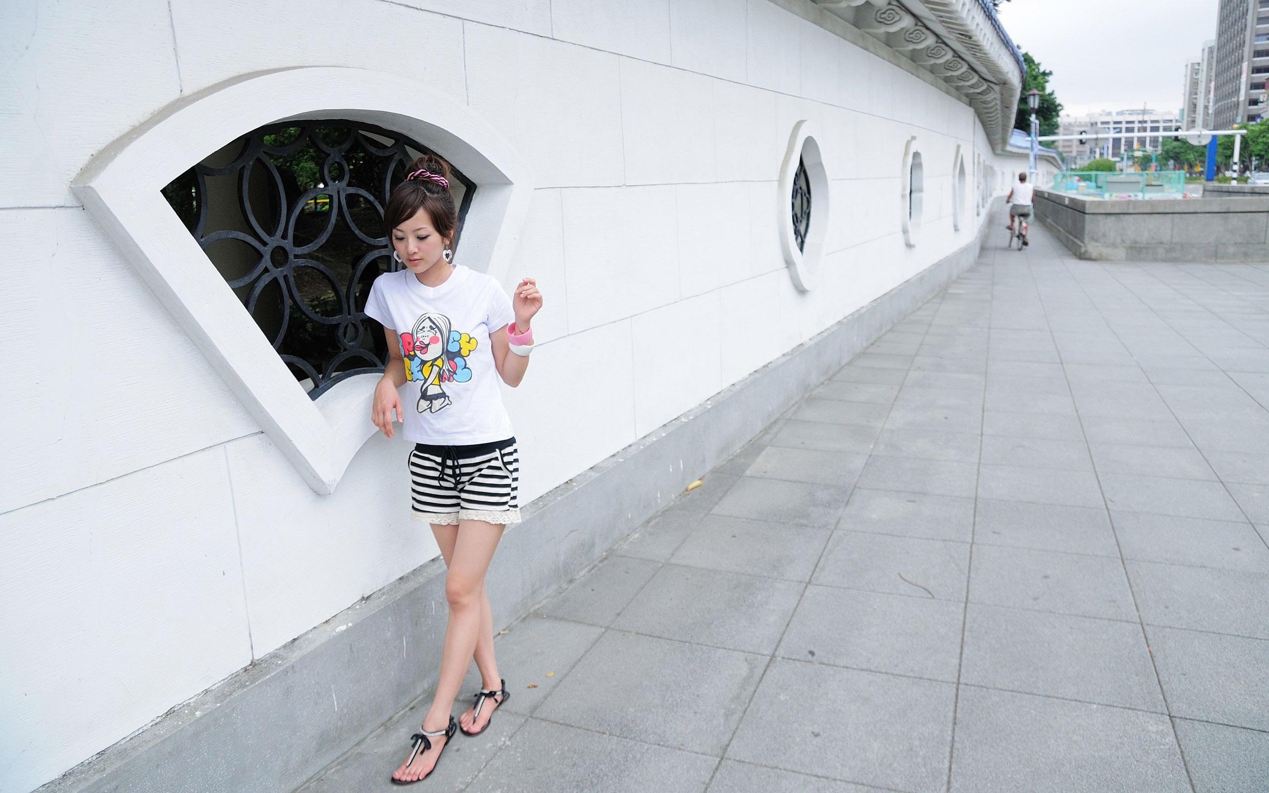 Фото азиатки в шортиках 6 фотография