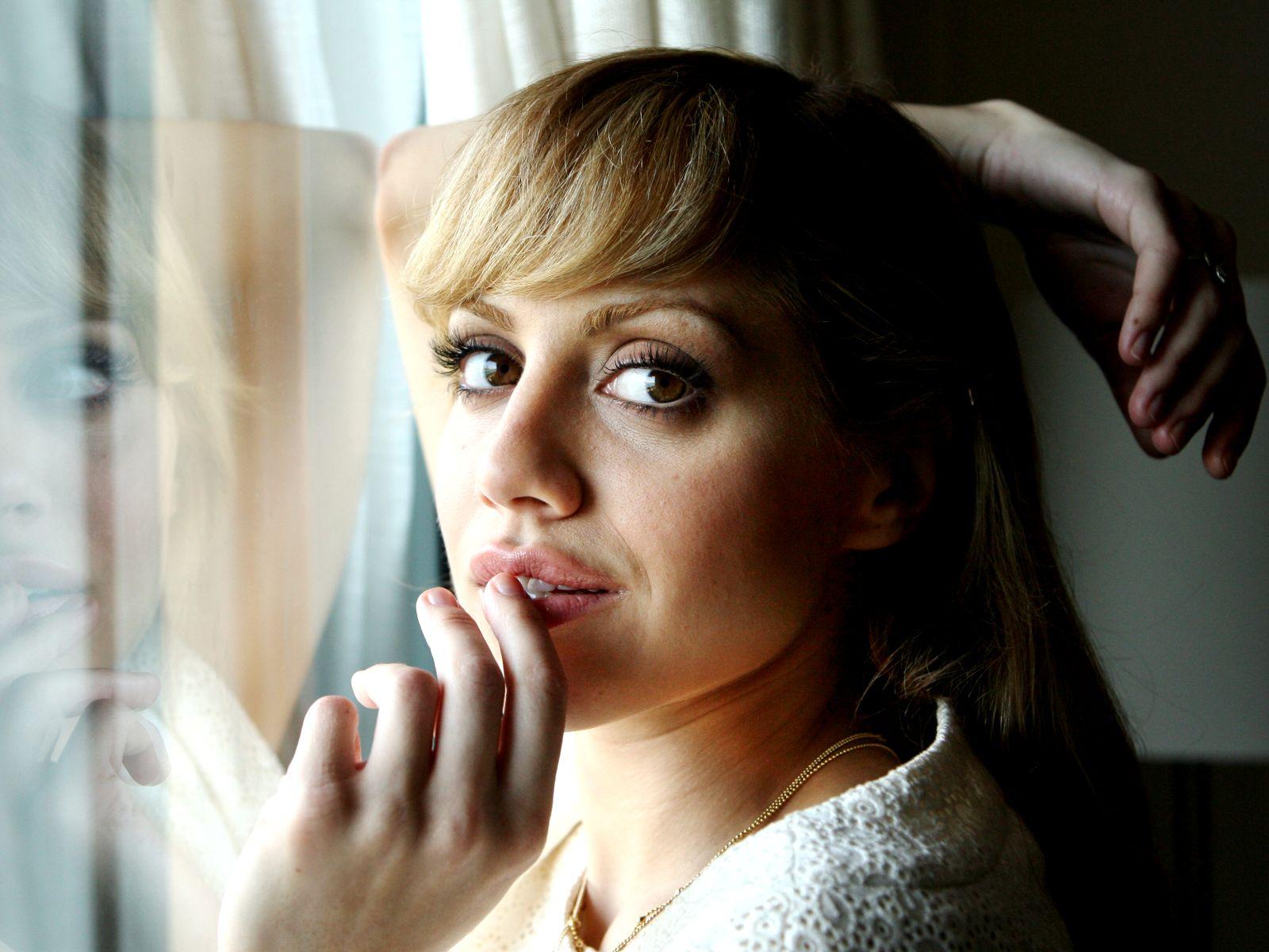 Картинки Бриттани Мерфи Знаменитости Brittany Murphy