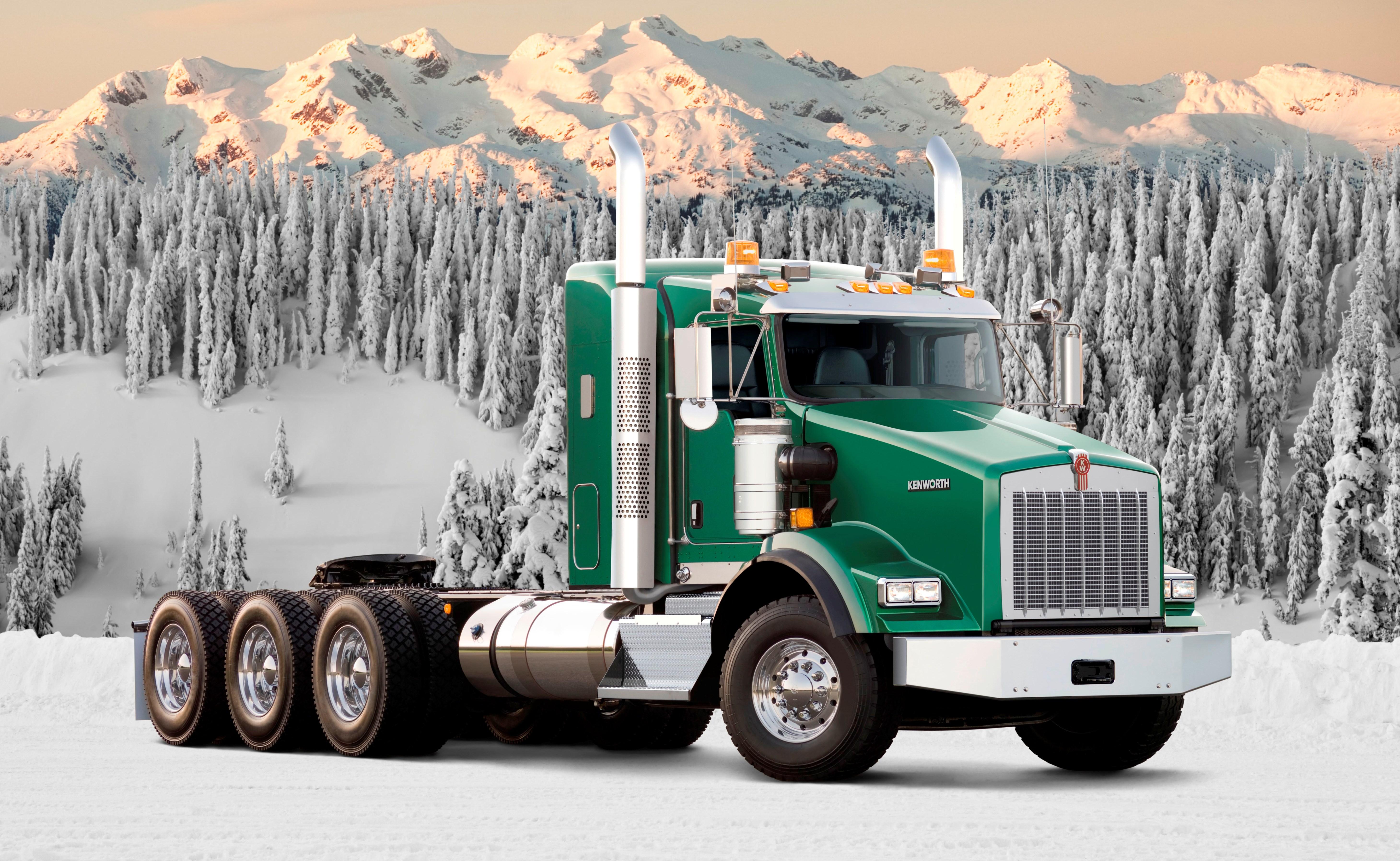 Обои на рабочий стол грузовики 1366 768