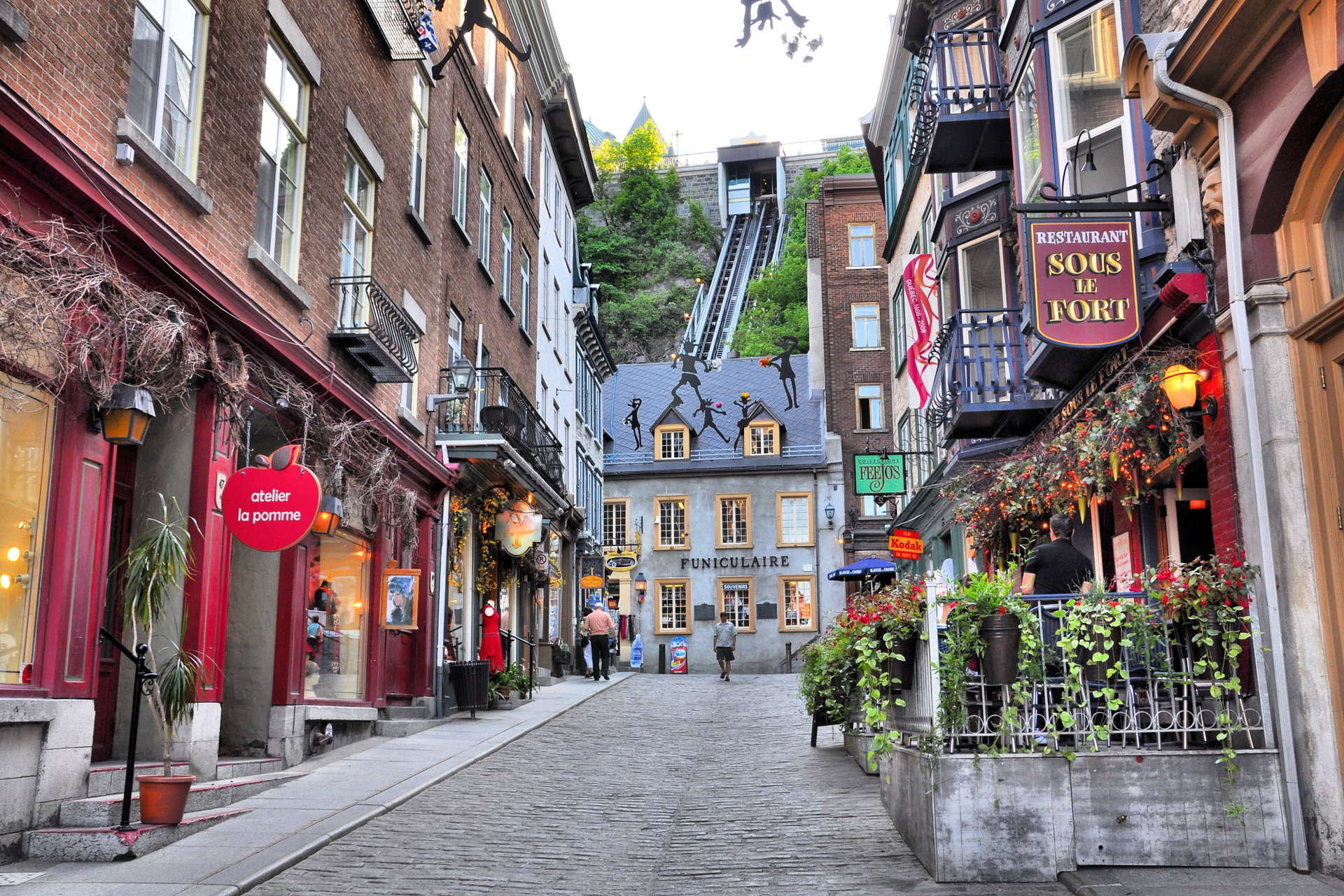 a look at the worlds snow capital quebec city in canada Description quebec city is the capital of the canadian province of quebec and was the capital of canada from 1859 to 1865 over 400 years old, this city is incredibly romantic and teems with european culture.