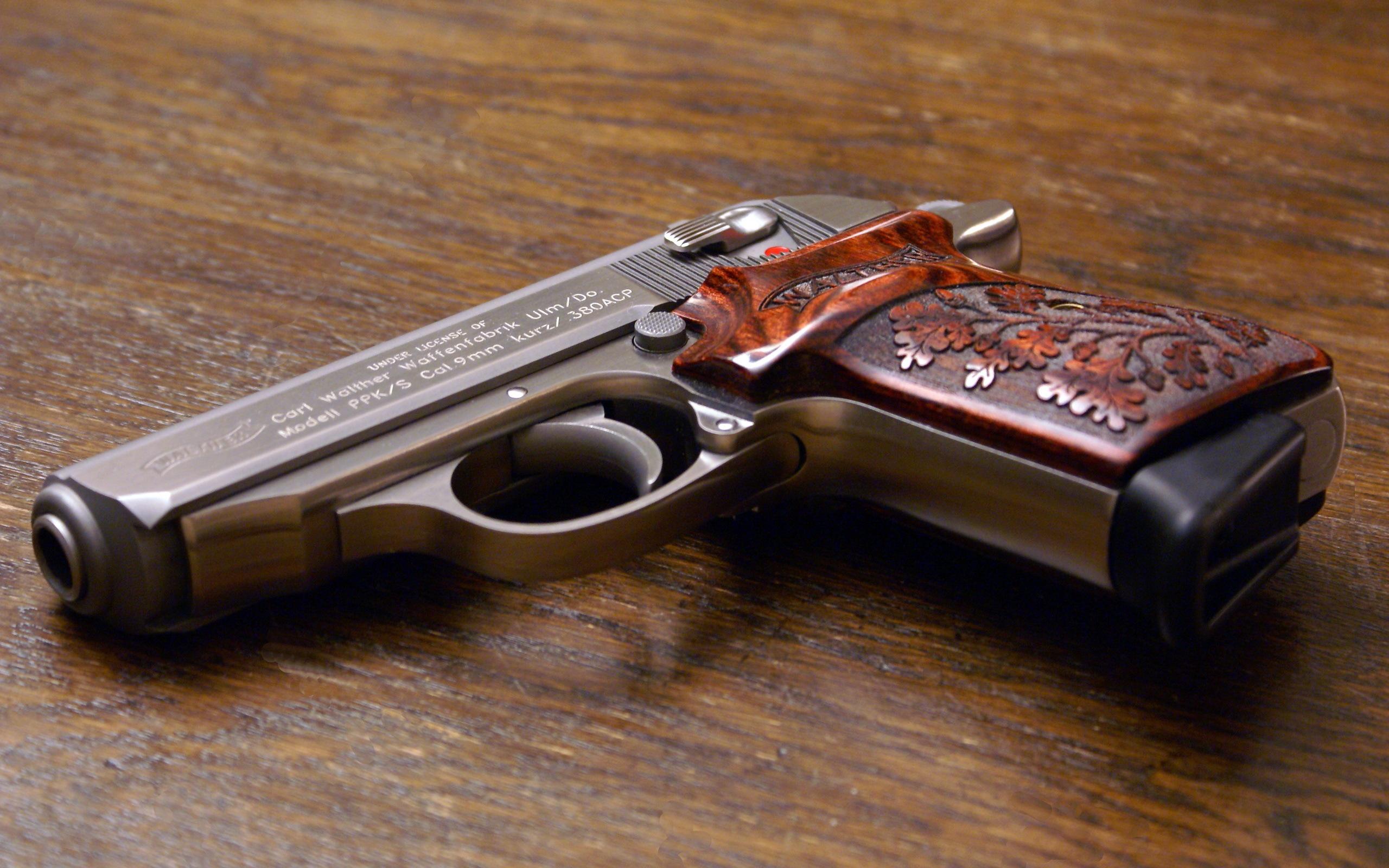 пистолет обойма патроны  № 3460211  скачать