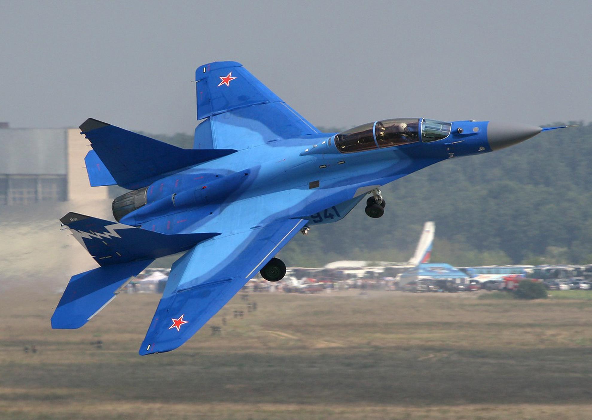 самолет ВВС РФ МиГ-35 Микоян  № 3741417 загрузить