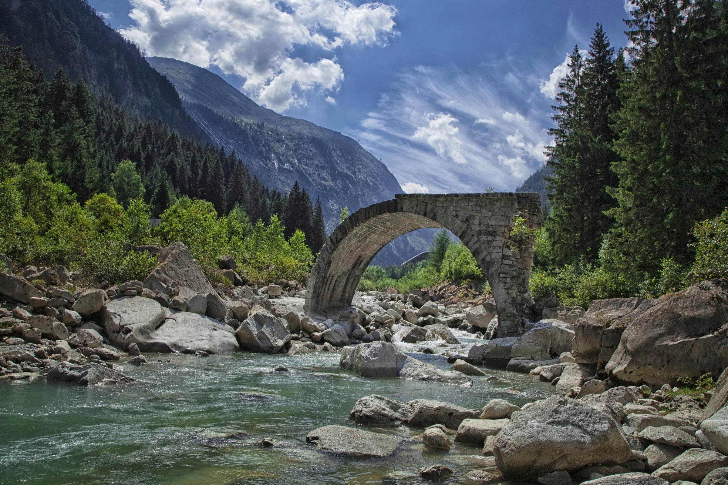 Озерцо мостик лес горы  № 2950094  скачать