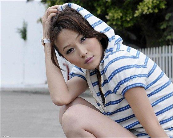 Фото Marie Zhuge молодая женщина 562x450 девушка Девушки молодые женщины