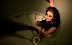 Обои Eva Green Лестница