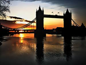 Обои Мосты Великобритания Рассветы и закаты Силуэт Башня Города
