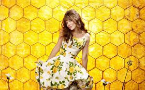 Фотографии Анна Фрил Пчелиные соты Знаменитости