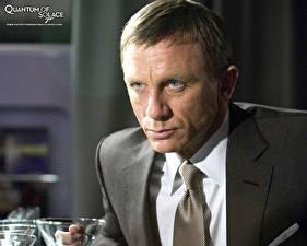 Картинки Агент 007. Джеймс Бонд Квант милосердия