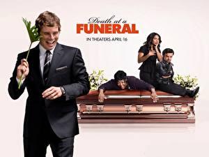Фото Смерть на похоронах кино