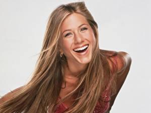 Картинки Jennifer Aniston Смеется