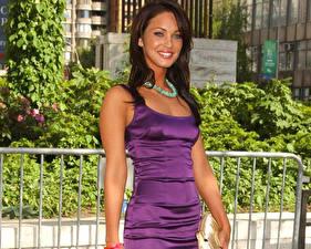Фото Меган Фокс в сиреневом платье
