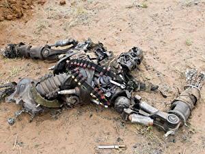 Картинки Терминатор Терминатор: Да придёт спаситель убитый терминатор