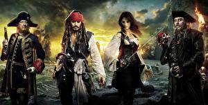 Картинки Пираты Карибского моря Johnny Depp Penelope Cruz Кино Фильмы