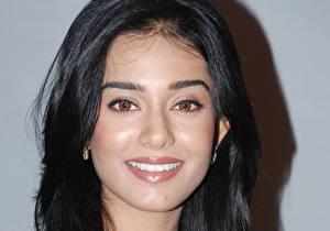 Обои Индийские Amrita Rao Улыбка Взгляд