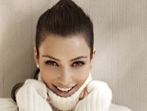 Обои Kimberly Kardashian Глаза Лицо Взгляд Улыбка Брюнетка Зубы