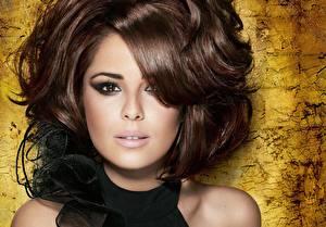 Обои для рабочего стола Cheryl Cole Глаза Смотрит Лицо Брюнеток Волосы Шатенка Причёска Знаменитости