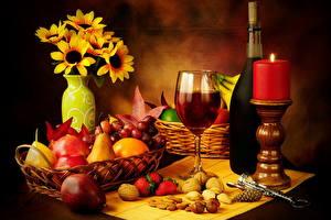 Фотография Натюрморт Напиток Вино Свечи Фрукты Груши Орехи Бокалы Еда