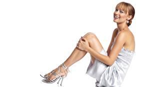 Фотография Deanna Russo Смотрит Улыбка Ноги Туфли Серьги Платье Шатенка Знаменитости Девушки