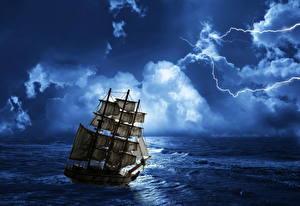 Картинка Корабль Парусные Море Небо Облачно Ночь Молнии