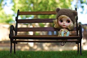 Картинка Игрушки Взгляд Скамейка Куклы Девочки