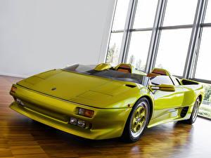 Фотография Lamborghini Фары Спереди Салатовый Кабриолет Роскошные Родстер 1992 | Diablo Roadster Prototype
