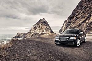 Фотография Chrysler Фары Черных Спереди Chrysler 300 Автомобили Природа