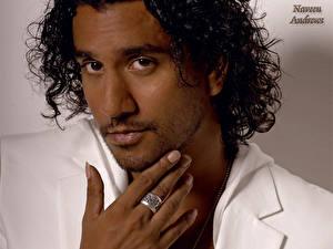 Обои Naveen Andrews Знаменитости